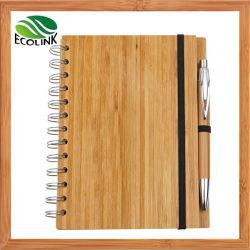 Blocnote van de Dekking van het Bamboe van de Agenda van het Notitieboekje van de Levering van het bureau de Houten Spiraalvormige met de Pen van het Bamboe voor Student