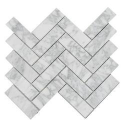 A Chevron Carrara piso de cerâmica revestimento de paredes painel contra salpicos de cozinha de design de azulejos em mármore de cultura Pedra Natural