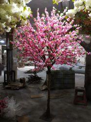 En el interior de la fábrica de 2,5 metros de la casa de árbol artificial decorativa Flor de durazno