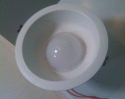 Ronda de LED de luz hacia abajo/3W/15W Downlight LED de bajo precio/ 8 W de luz tenue. 2014 Nuevo diseño de la luz de abajo