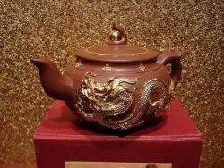 中国にYixing Zishaのティーポットのラッカー切り分けることは金めっきするドラゴン(TS-TP01)を