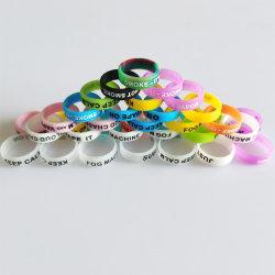 شعار مخصص ملون أزياء ملونة مطبوعة على الشاشة مع قليل من الألوان في الظلام سوار معصم رياضي عاكس وسليكون بريكلون