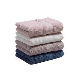 中国の製造者からの新しい設計されていた贅沢によって刺繍されるホテルのコレクション手の浴室の100%年の綿タオル