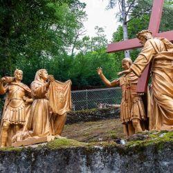Grandes estátuas religiosa Católica Vida Jesus Escultura estátua de bronze de tamanho 14 estações da Cruz
