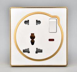 Interrupteurs muraux électrique 13A+16d'une douille avec la lumière pour la maison