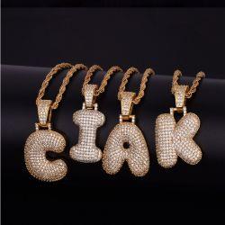 カスタム宝石類のアルファベットの音名の方法925ジルコンの銀製の吊り下げ式のチェーンネックレスの頭文字のペンダント