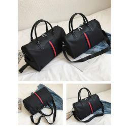 ビジネスは屋外を防水する靴が付いている旅行ダッフルバッグの荷物を運ぶ