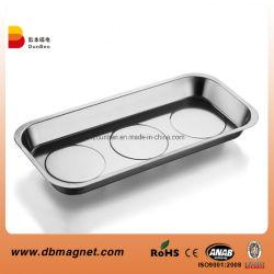 Plaque de grande taille contenant de l'outil magnétique