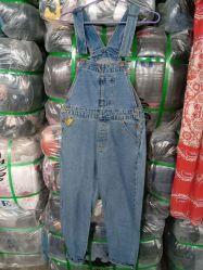 Die verwendete verwendete Kleidung kleidet reizvolle Dame-Denim-Jeans-schleichenden Overall
