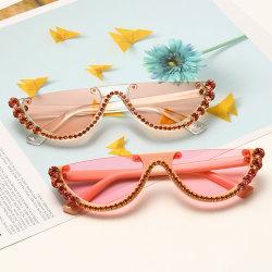 Kleurrijke halfframe Cat Eye-bril Vrouwelijke luxe Diamond Zonnebril