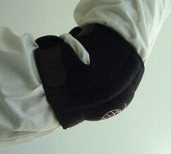 スポーツの保護ネオプレンのスポーツの肘サポート
