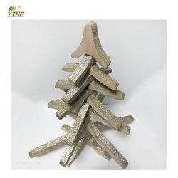 Arbre de Noël en bois avec un design unique