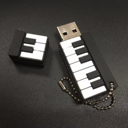 8 Go en PVC souple personnalisés Notes de musique lecteur Flash USB de forme