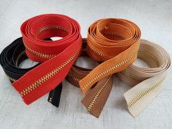 衣服のためのカスタマイズされた金属長い鎖3# 5#のジッパーの鎖