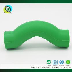 Kundenspezifische PPR Plastikbefestigung der gute Qualitätsüber Schlaufen-Brücken-Krümmer