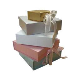 白い贅沢なクリスマスの花嫁のペーパー磁気ギフト箱の包装のパッキング 香水 / ジュエリー / キャンドル / チョコレート / ティー / 靴 / ワイン / ローズ