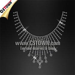 De Ontwerpen van het Bergkristal van Applique Hotfix van de Halsband van Bling van de kleding
