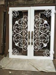 Galvanizado en caliente personalizada Puerta de entrada portones de hierro forjado como puerta de entrada de un diseño clásico trabajo de metal ornamentales Puerta metálica de la puerta de hierro forjado.