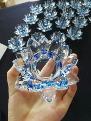 はすの花の形の装飾のための水晶蝋燭ホールダー