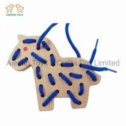 Cavalo de cordões de madeira de faia