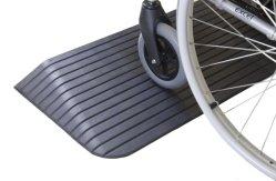 El umbral de la rampa para sillas de ruedas de goma duradera sin olor de goma