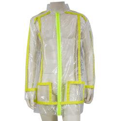 明確なTPUは黄色いテープが付いている雨衣類を防水する