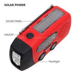 Commerce de gros de haute qualité de la manivelle LAMPE DE POCHE SOLAIRE Portable AM FM Radio de la NOAA