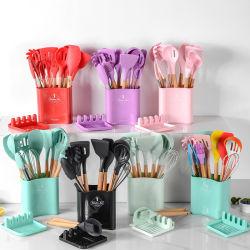 أدوات طهو مصنوعة من السيليكون مجموعة من مقابض الطعام الخشبية ذات المجراف غير الذراع مجموعة الأدوات مع حامل التخزين