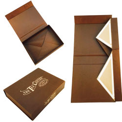 China Wholesale Caja de papel de un paquete plano Ver Perfume Zapatos de regalo cosmética de chocolate con cierre magnético o cinta