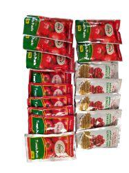 Différentes tailles et de l'emballage de la pâte de tomate