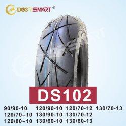 オートバイのアクセサリのオートバイのタイヤ130 60 13顕著なパフォーマンスサイズ130/60-13パターンDs102オートバイのチューブレスタイヤの高圧のタイヤ