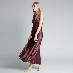 넓은 스트랩의 딥 V가 있는 여성용 맞춤형 롱 나이트 가운 넥 플러스 사이즈 실크 새틴 잠옷