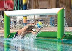 O Lago de futebol flutuante insufláveis dos jogos de futebol da água Meta Net