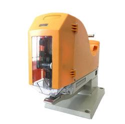 機械を接続するFoot Controllerのプラスチックステープルによって安全そして容易
