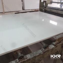 Непосредственно на заводе высокого качества искусственного кварца каменных плит