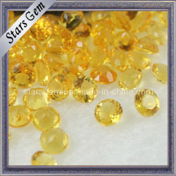 きらめきの丸型の自然で黄色い水晶