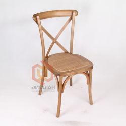 Aluguer de casamento vinha de madeira de faia Carvalho empilháveis cadeiras cruzada