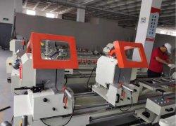 Double tête de fenêtre PVC PVC et de la porte fenêtre de la machine de découpe Making Machine
