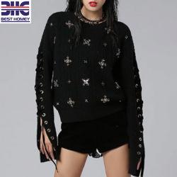 Женщин в стиле рок-валик ручной работы черный свитер