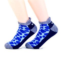 L'esecuzione su ordinazione variopinta dell'elite del Terry di sport atletici di Short della caviglia di migliore di qualità degli uomini delle donne di sport atletici della caviglia disegno dei calzini colpisce con forza gli uomini
