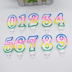 子供の誕生日のためのカラー蝋燭のケーキの装飾0-9番号蝋燭