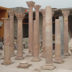 Декоративные римские мраморные колонки цветов римскими колоннами