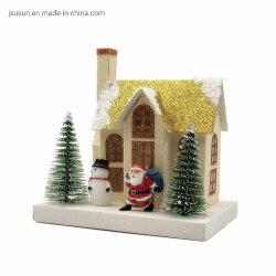 クリスマスの装飾のための金ペーパー材料の家のモデル