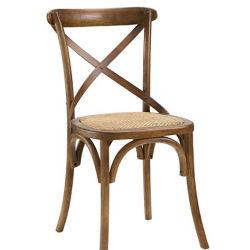 Quinta moderna voltar do lado de jantar em madeira de carvalho maciço cadeira com assento de vime em Walnut