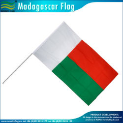 Plastik-/hölzerner/Stahlfahnenmast an Hand, der Markierungsfahnen (B-NF01P02016, wellenartig bewegt)