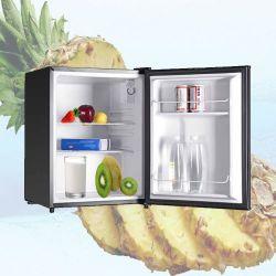 熱い販売小型冷却装置飲料のクーラー、ガラスドアエネルギー飲み物のショーケースが付いているカウンタートップの小型冷却装置
