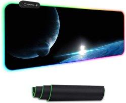 لوحة مفاتيح ألعاب RGB مضيئة مقاومة للانزلاق ومقاومة للماء