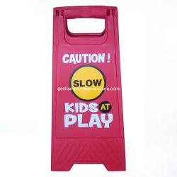 Un signe de châssis support pliable, signe de plancher mouillé en plastique jaune