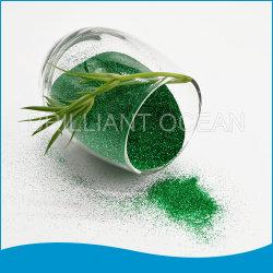Polvere di scintillio del lustrino di colore verde in ciotola