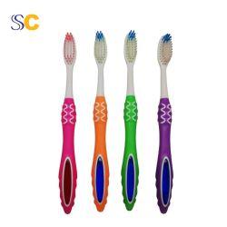 Logo de couleur OEM Paquet poignée en plastique PP du charbon de bois brosse à dents pour adultes